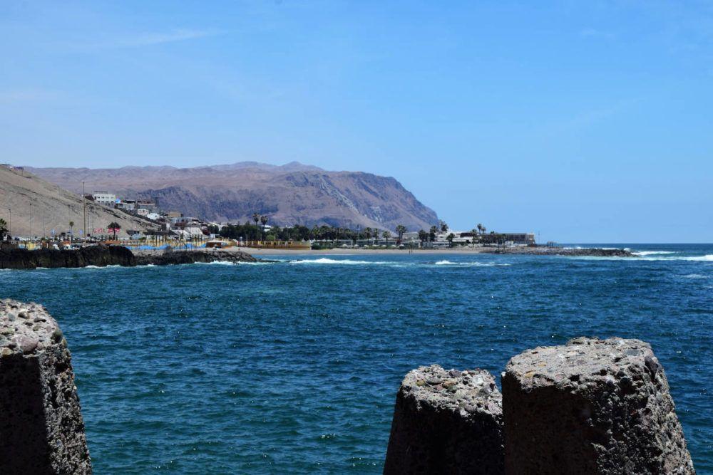 El Gringo beach in Arica, Chile