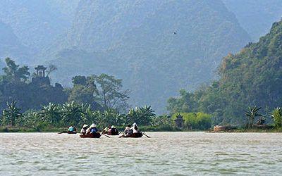 Rowing to the Perfume Pagoda